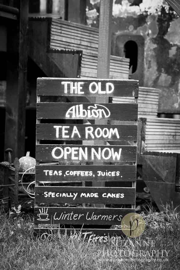 Bar Farm Antiques Collectables Barmby Moor 0021 bw